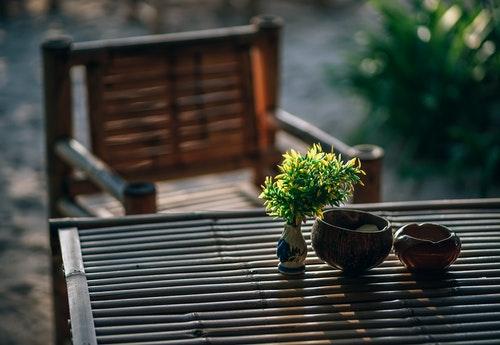 bamboo table calm